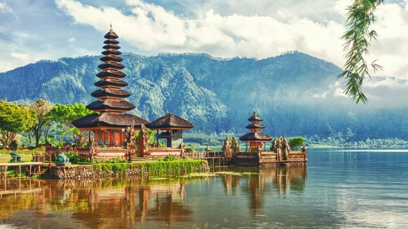 Find Travel Companion in Bali on JournAlong App & Website